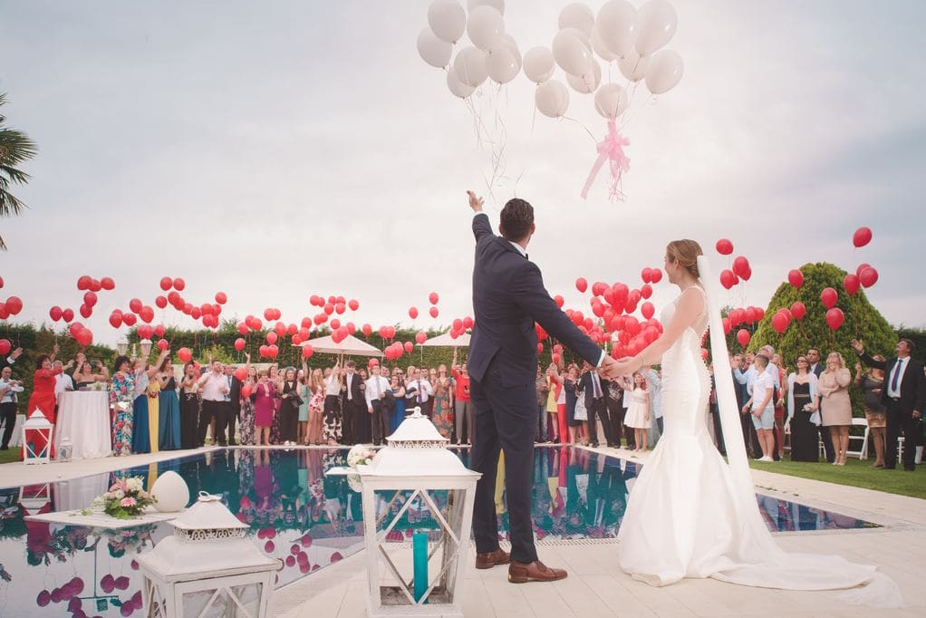 How to plan a wedding abroad solevents if you choose to turn to a wedding planner you will have an expert on site who works only on tailor made weddings because each couple is unique in their solutioingenieria Image collections